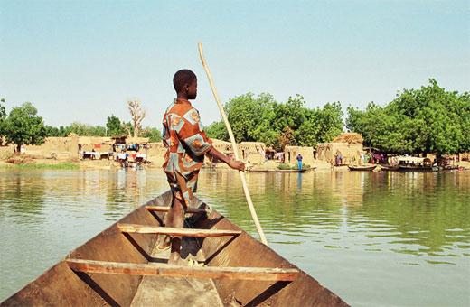 En Pirogue sur le fleuve Niger