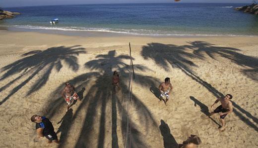 Activities Majahuitas Volleyball