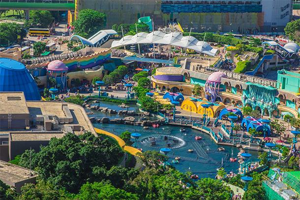 Reason to Visit Theme Parks: Colors