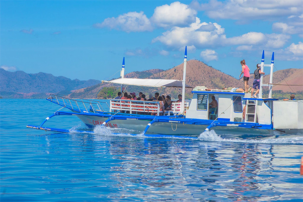 Coron Ultimate Tour Pum[ Boat