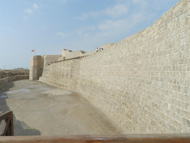 Bahrain Attractions Qal'at al Bahrain Site