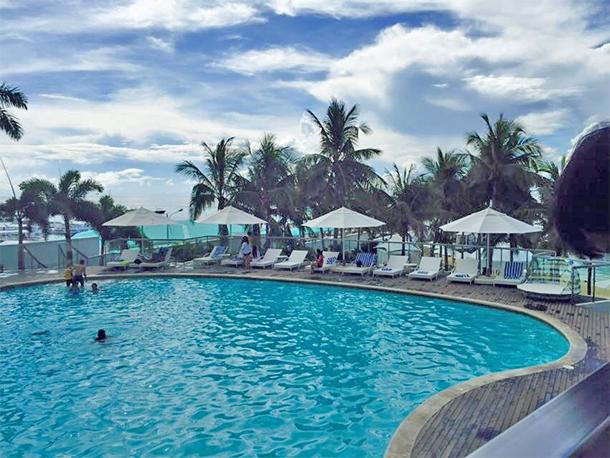 Mactan Cebu Luxury Resorts Mövenpick Hotel Mactan Pool View