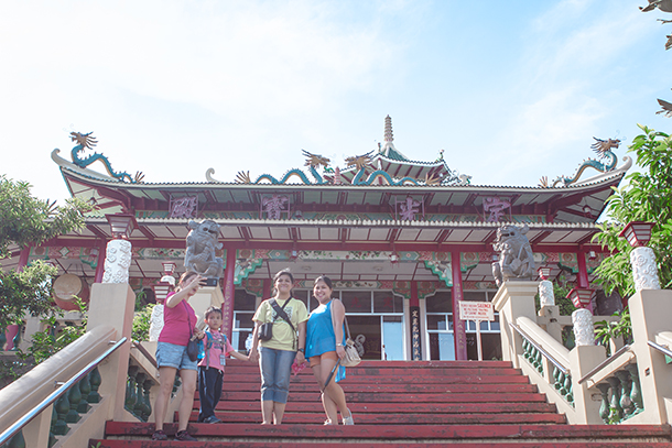 Cebu Day Tour Taoist Temple Entrance
