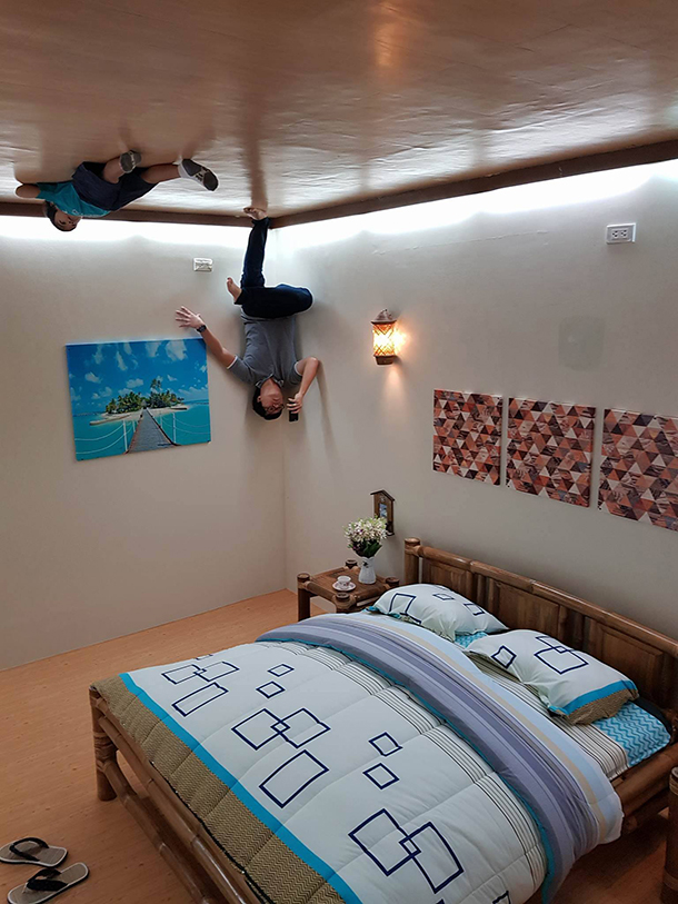 Upside Down World Cebu: Bedroom