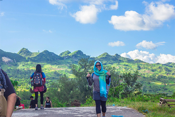 Osmeña Peak Hike: Barangay
