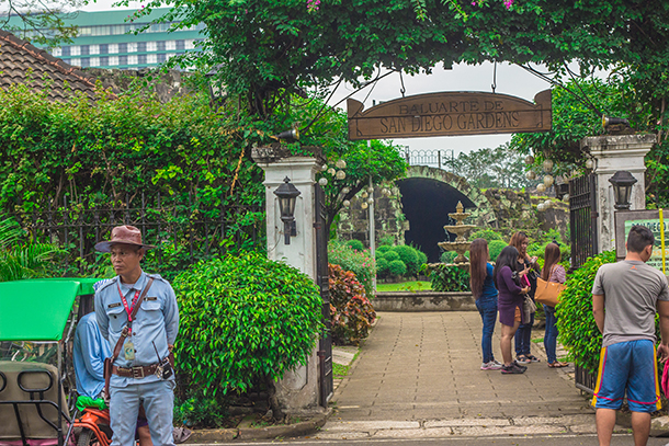 Intramuros Walking Tour: Baluarte De San Diego Gardens