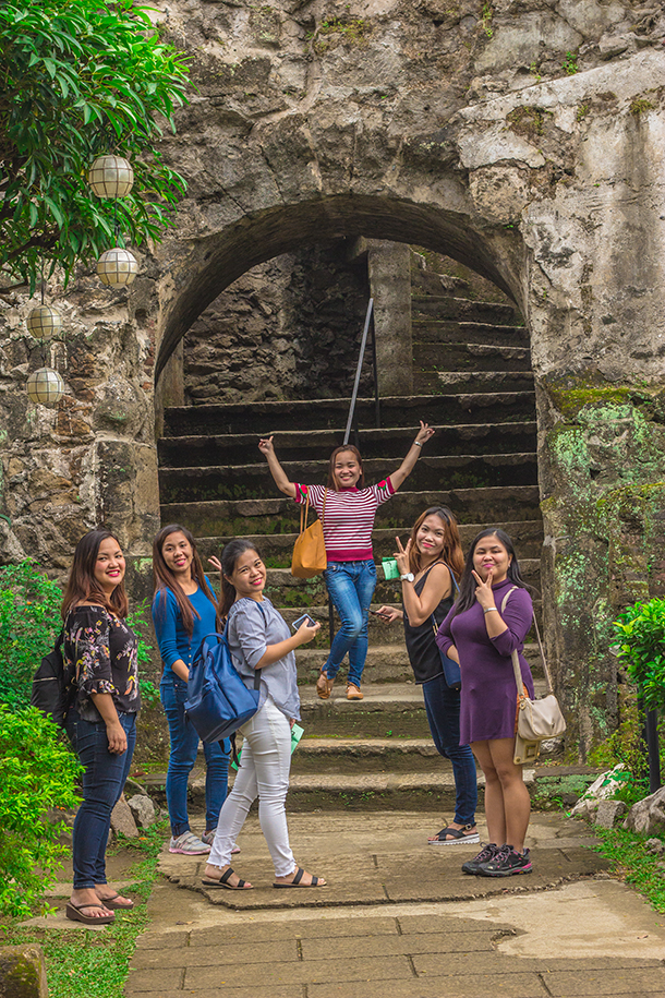 Intramuros Walking Tour: Baluarte De San Diego Entrance