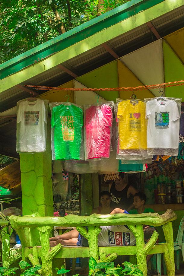 Daranak Falls: Buy Souvenirs