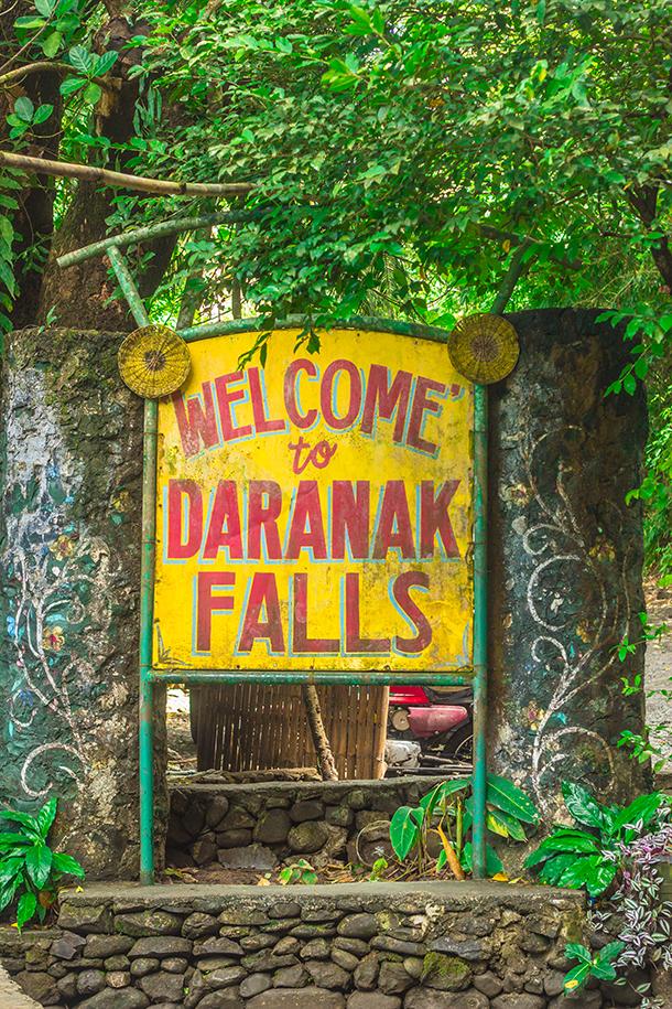 Daranak Falls: Entrance