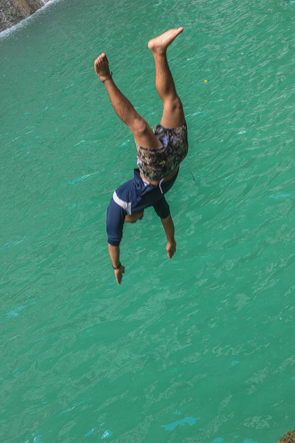 Daranak Falls: Cliff Diving