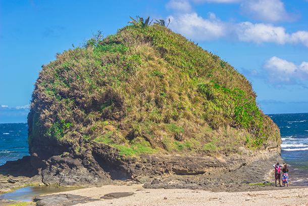 Ilocos Norte Tourist Spots: Timmangtang Rock