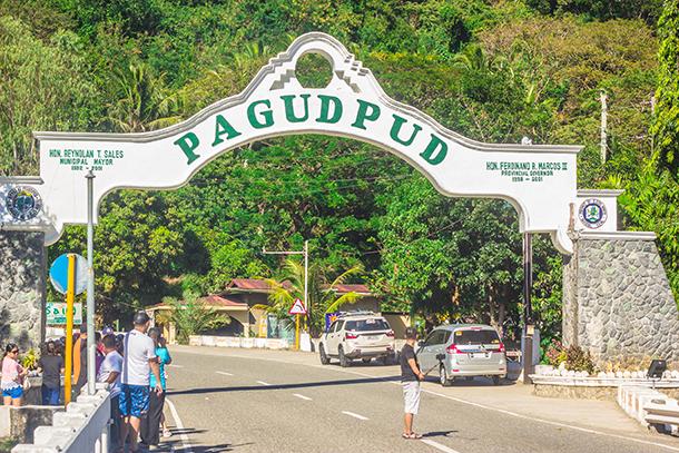 Ilocos Norte Tourist Spots: Pagudpud Arch