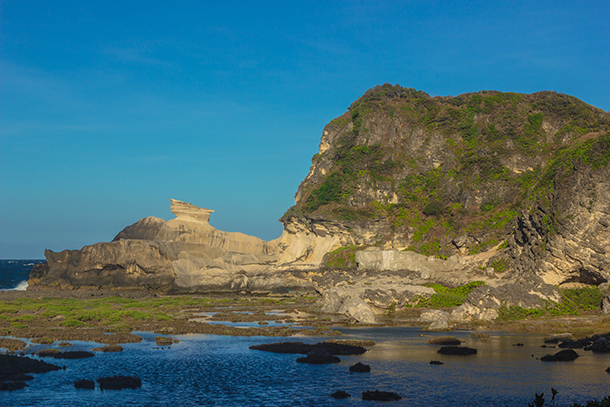 Ilocos Norte Tourist Spots: Kapurpurawan Rock Formation