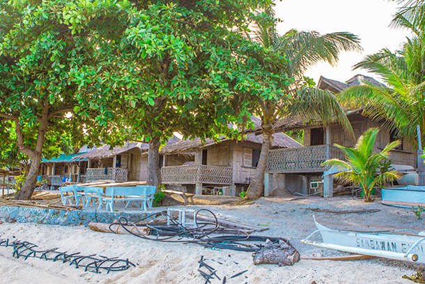 Sambawan Island Travel Guide: Room Cottage