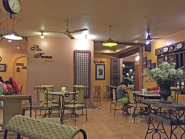 Restaurants in Dumaguete City: Sta. Teresa Resto Interior