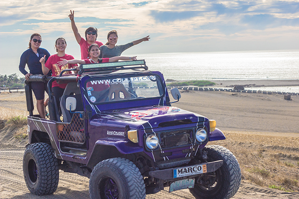 Ilocos Tour Photos: 4x4 Jeep at the Paoay Sand Dunes