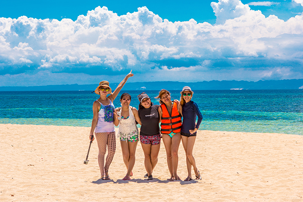 Bohol Island Hopping: Group Photos with Friends at Mocaboc Island