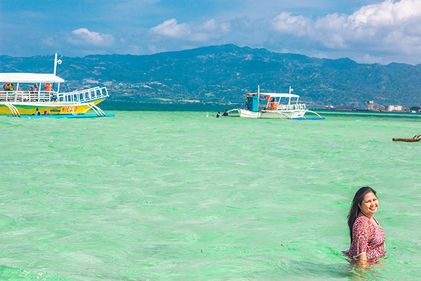 Manjuyod Sandbar Tour Package and Things To Do: Swim and Enjoy the Clear Waters