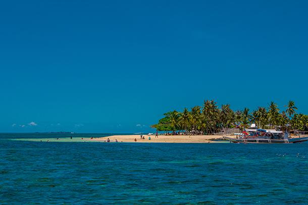 Bohol Island Hopping: Approaching Mocaboc Island
