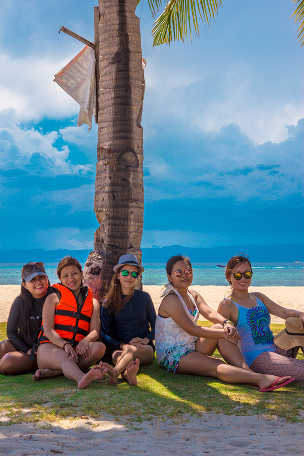 Bohol Island Hopping: Group Photo Under Coconut Trees