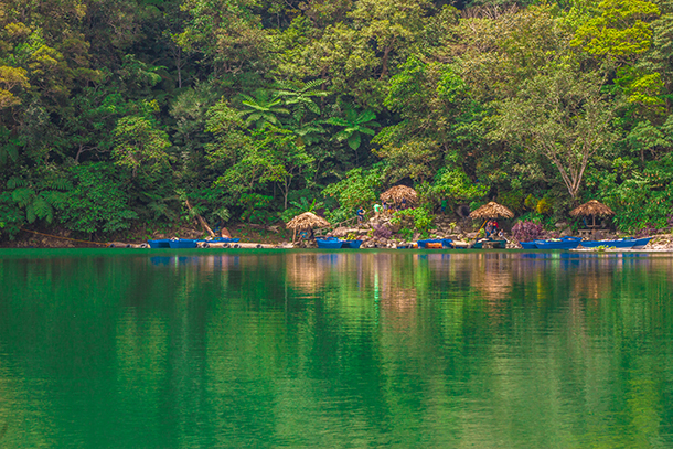 Twin Crater Lakes: Lake Balinsasayao Docking Area