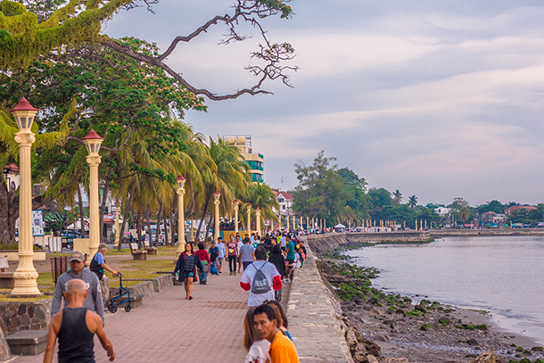 Negros Oriental Photos: Rizal Boulevard in the morning