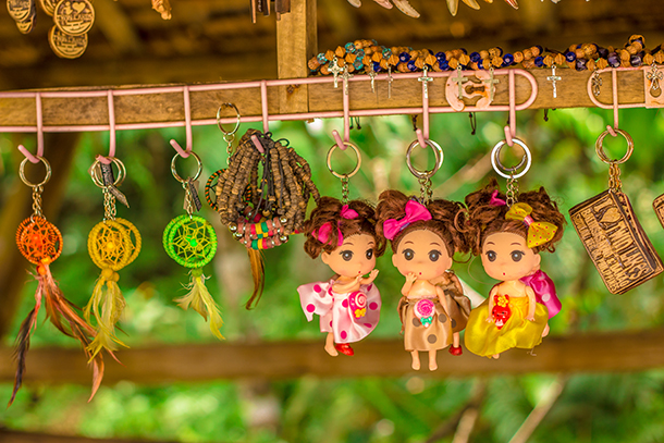 Negros Oriental Photos: Souvenirs at the Twin Lakes