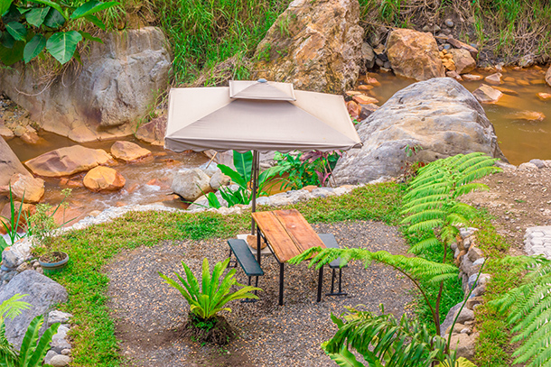 Pulangbato Falls: Tables and Chairs