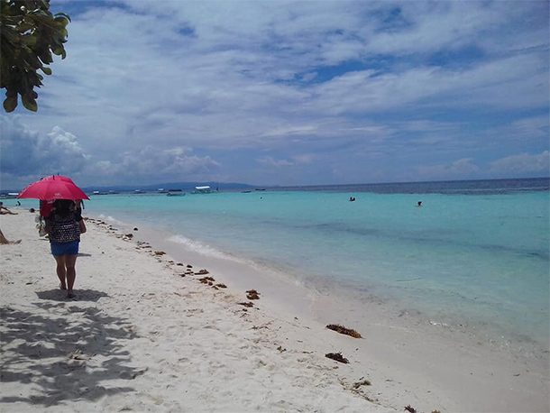 Panglao Bohol: Welcome Sight in Bolod Beach