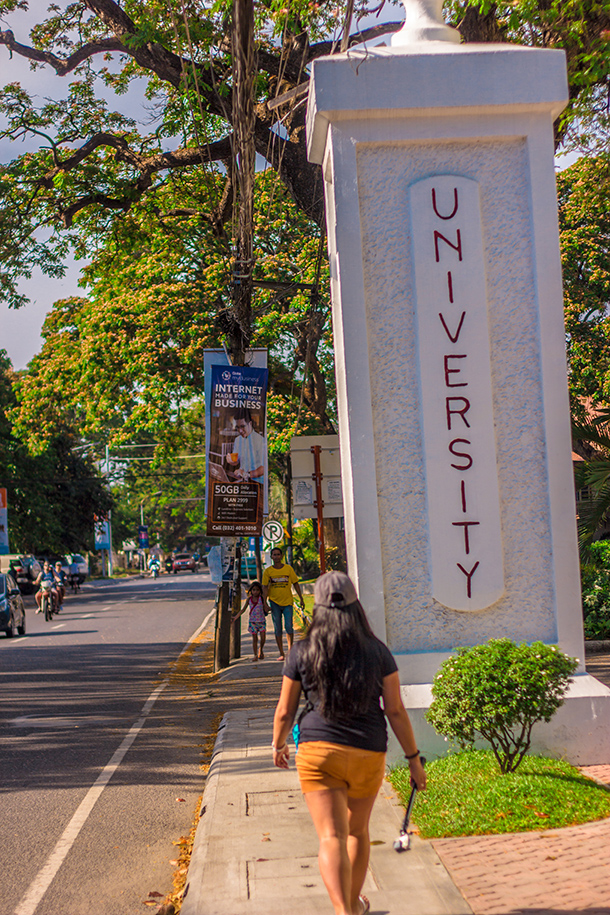Things to Do: Dumaguete City Travel Guide: Stroll Around the City