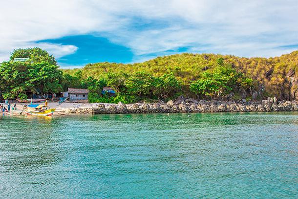 Photos of Sambawan Island: Docking Area
