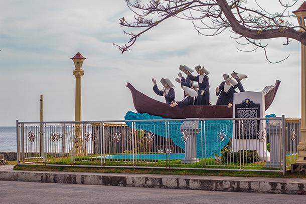 Rizal Boulevard Statues