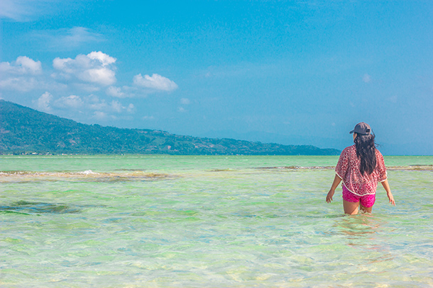 Why I Travelled Without my Daughter: Loving the sea at the Manjuyod Sandbar in Negros Oriental