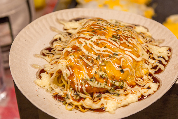 Sugbo Mercado Food Guide: Okonomiyaki With Noodles