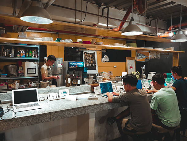 Co-Working Spaces in Cebu City: Kitchen of iiOffice Cebu
