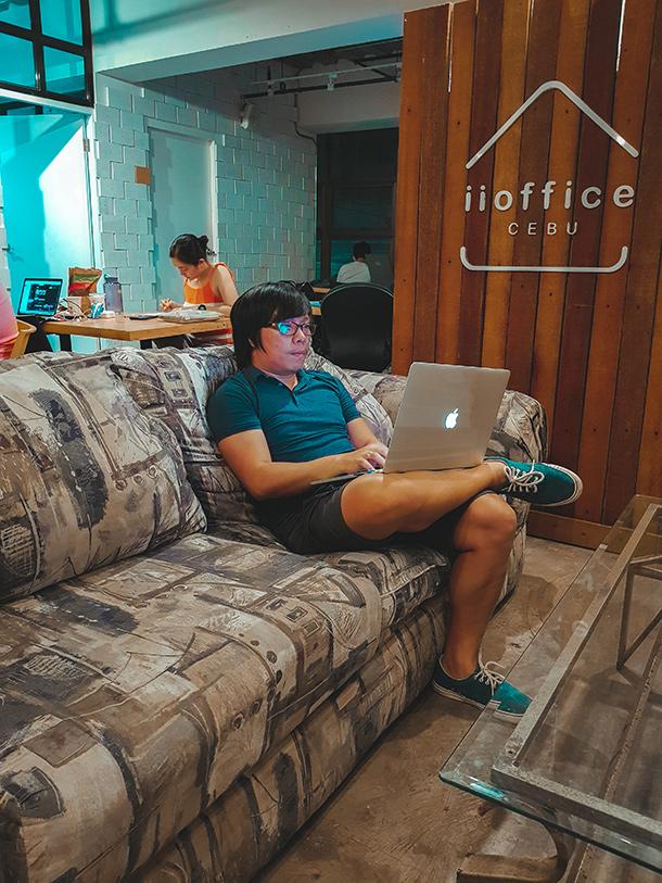 Co-Working Spaces in Cebu City: Big Sofa of iiOffice Cebu