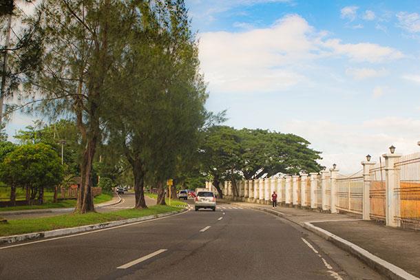Stroll at the Magsaysay Boulevard